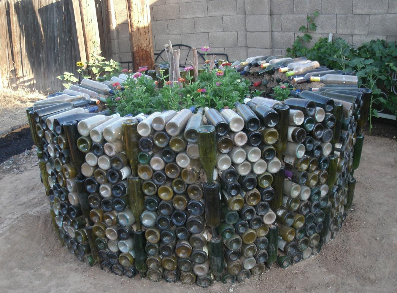 Заборчик для клумбы из пластиковых бутылок своими руками Ограждение